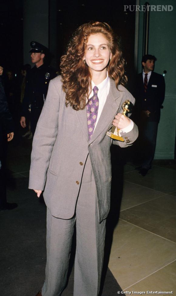 """Le pire """"costume"""": Pour les Golden Globes en 1990, Julia Roberts ne maîtrisait pas encore l'art du glamour. En revanche, elle était maître dans l'art du travestissement."""