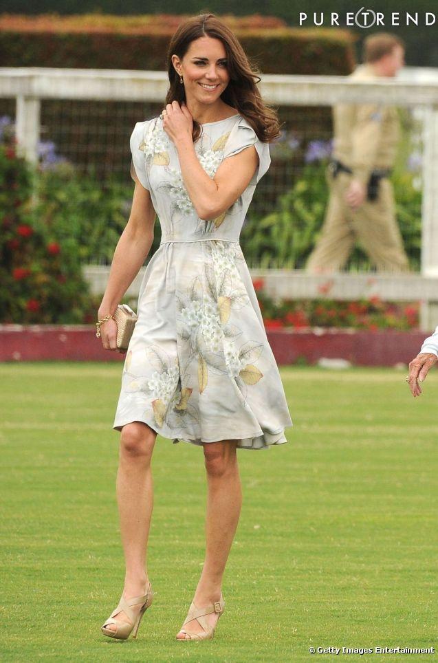 Kate mise sur une robe estivale Jenny Packham fleurie qu