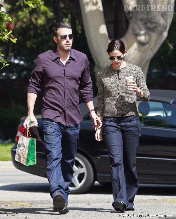Dernière apparition officielle ensemble :  cette fois-ci dans la rue, le couple est roi du relâchement. Jennifer souvent proche des flops ne semble plus vouloir faire beaucoup d'efforts.    Résultat :  c'était mieux avant.