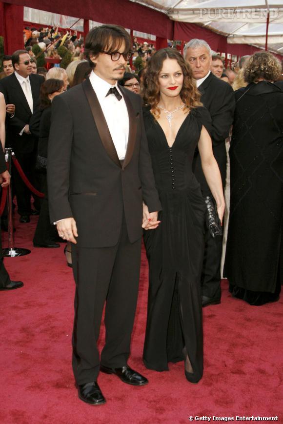 Dernière apparition officielle ensemble :  lors des Academy Awards, le couple a gardé toute sa fraicheur. Lui en costume trois pièces et elle en longue robe noire échancrée, ils sont parfaits.    Résultat :  un couple aussi beau avant qu'après, chapeau !