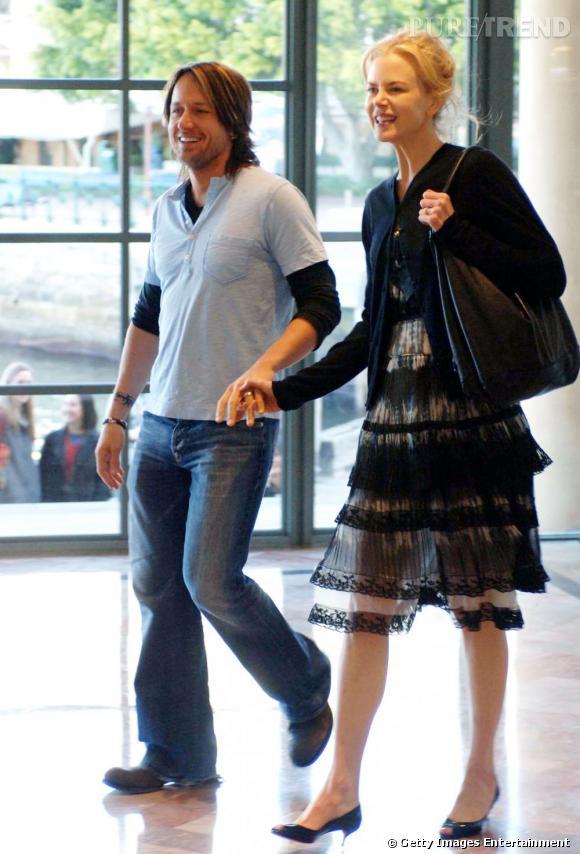 Première apparition officielle ensemble :  en 2006 le couple commence des apparitions timides. A Sydney, Nicole et Keith jouent les incognitos, look noir et jean/baskets.