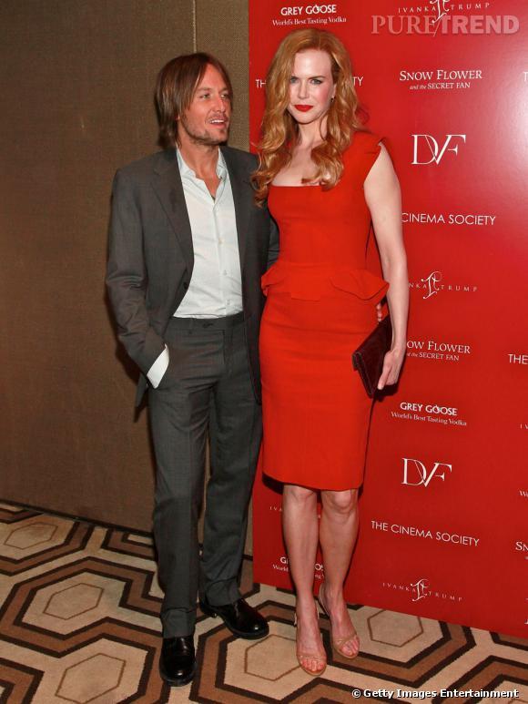 Première apparition officielle ensemble :  lundi dernier, le couple a fait une apparition nettement plus glamour. Elle en robe rouge Elie Saab et lui en costume, ils rayonnent.    Résultat :  on préfère Nicole et Keith aujourd'hui.