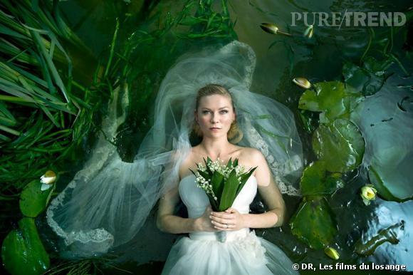 """Kirsten Dunst, mariée d'un autre genre dans """"Melancholia"""" de Lars Von Trier."""