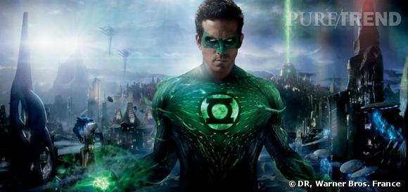 Ryan Reynolds se glisse dans la peau d'Hal Jordan, un humain qui rejoint le Green Lantern Corps, pour cette première adaptation au cinéma.