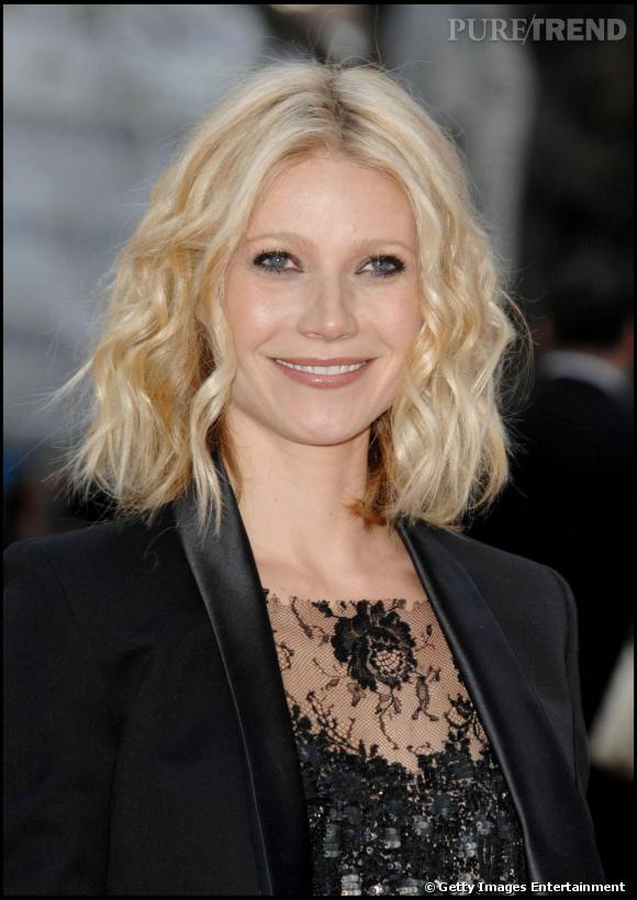 Gwyneth Paltrow a adopté la tendance carré avec une version mi-longue légèrement frisée.
