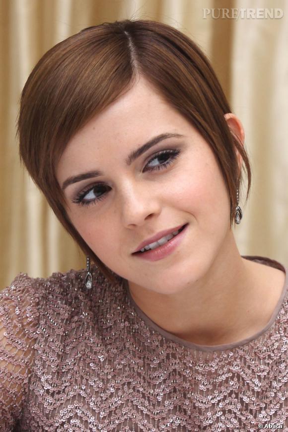Emma Watson  coupe les ponts avec l'adolescence en adoptant une coiffure courte et très féminine qui met son visage fin en valeur.