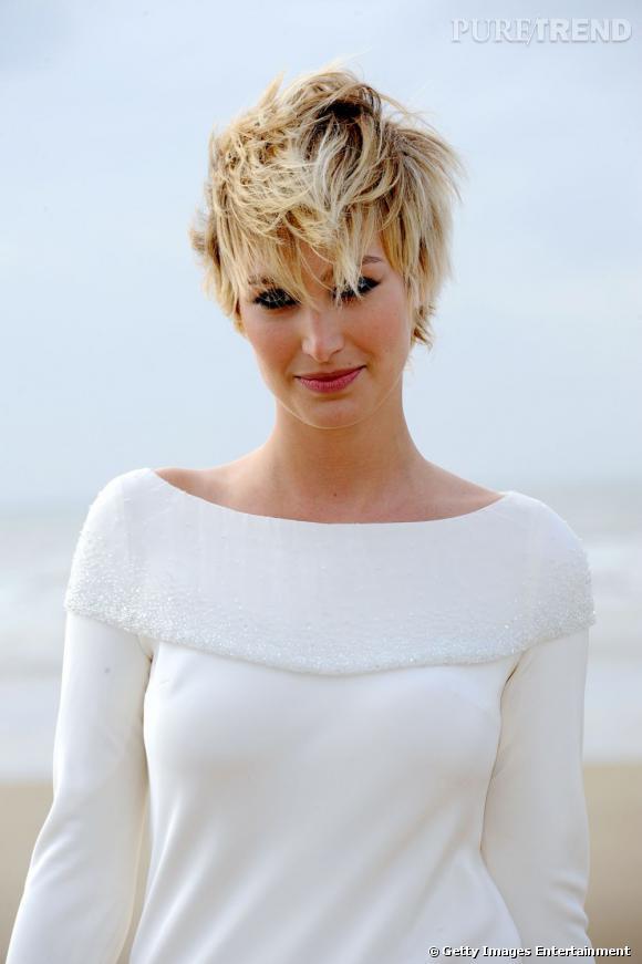 L'ex-présentatrice de la  météo  du Grand Journal, Pauline Lefèvre,  a elle aussi craqué pour une coupe de cheveux courts, ici version coiffée-décoiffée.