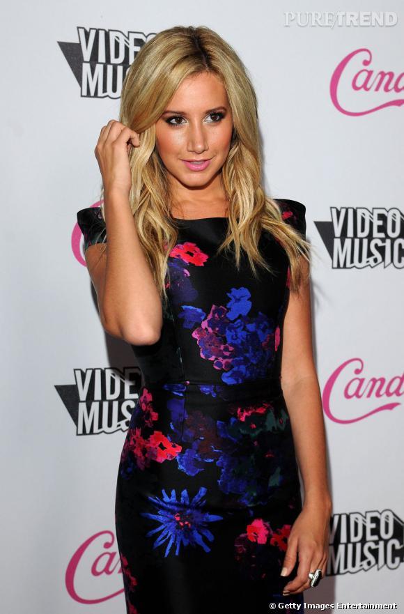 Ashley Tisdale à l'after-party des MTV Music Awards à Los Angeles.