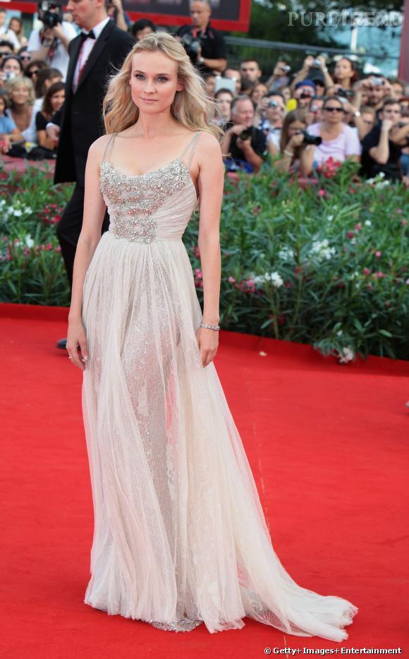 C'est dans une somptueuse robe Elie Saab que Diane Kruger a ébloui lors de la Mostra de Venise.