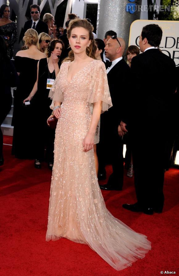 Une robe du soir très bohème pour Scarlett Johansson qui ne mérite plus son étiquette de bimbo.