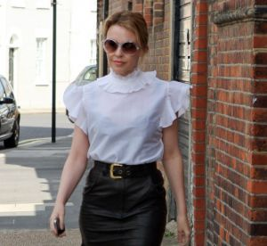 Kylie Minogue faussement stricte