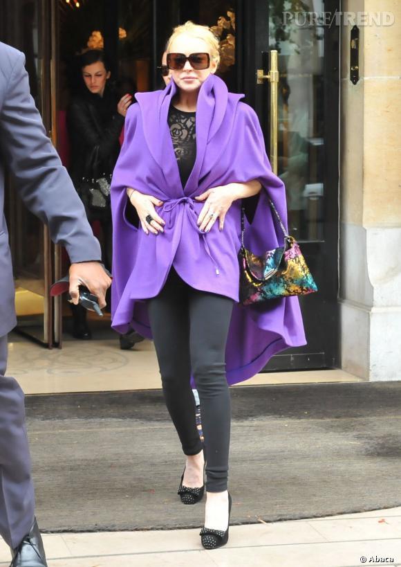 À Paris pour la semaine de la mode, Lindsay fait des efforts et ça se voit.