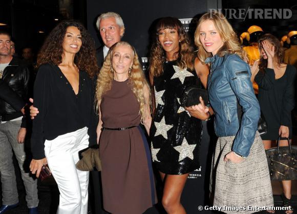 Franca Sozzani, Naomi Campbell et Eva Herzigova lors de l'ouverture de la boutique Pirelli  à Corso Venezia à Milan.