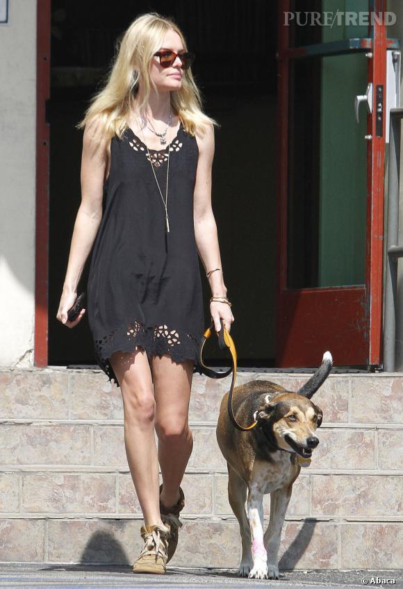 Kate Bosworth en balade avec son chien à Los Angeles.