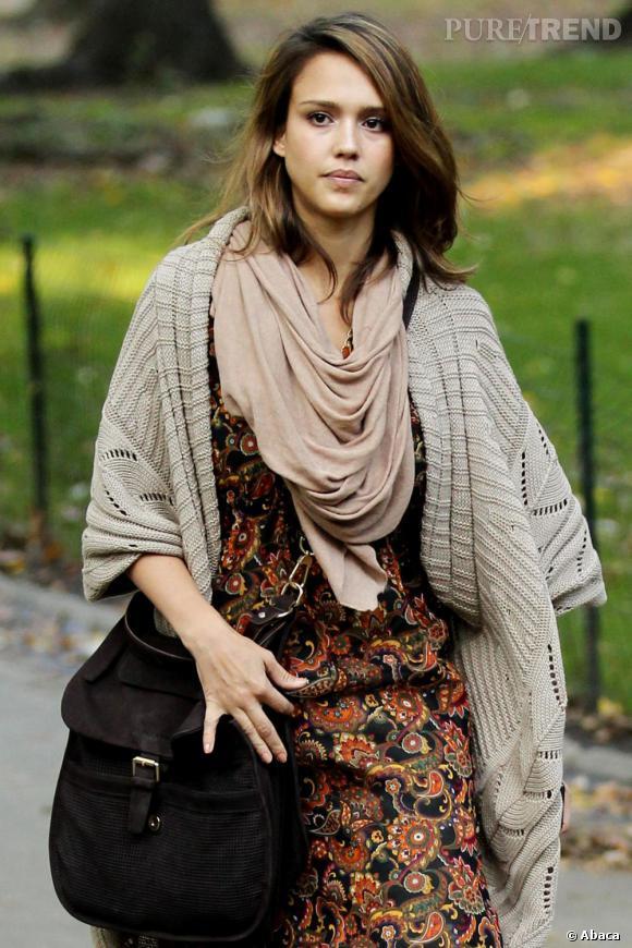Jessica Alba en balade à Central Park, à New York.