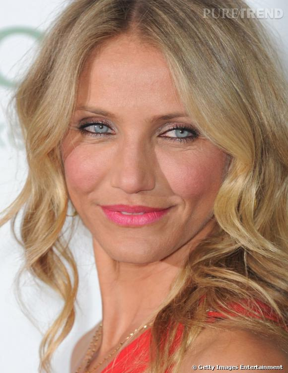 question maquillage yeux bleus cameron diaz est adepte du trait de crayon kh l l 39 int rieur de. Black Bedroom Furniture Sets. Home Design Ideas