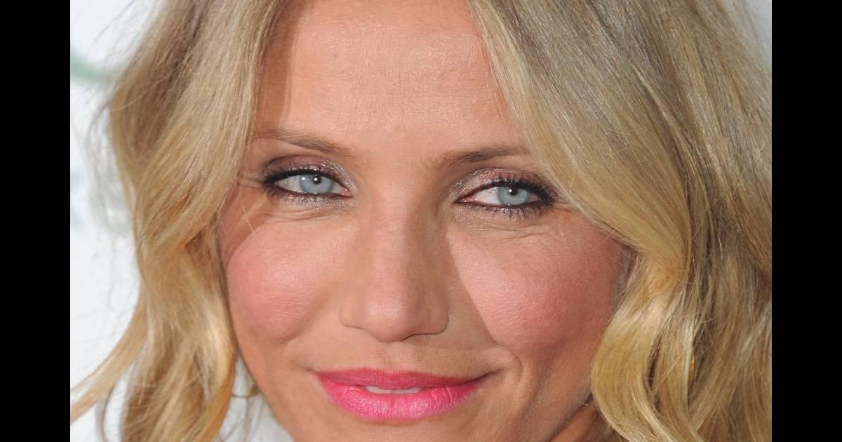 Question maquillage yeux bleus cameron diaz est adepte du for Interieur yeux