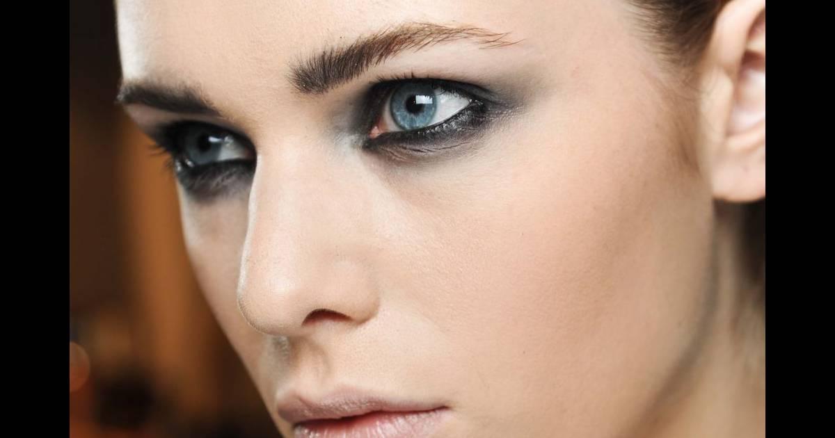 maquillage yeux bleus   quelles couleurs choisir