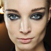 Le maquillage idéal pour les yeux bleus
