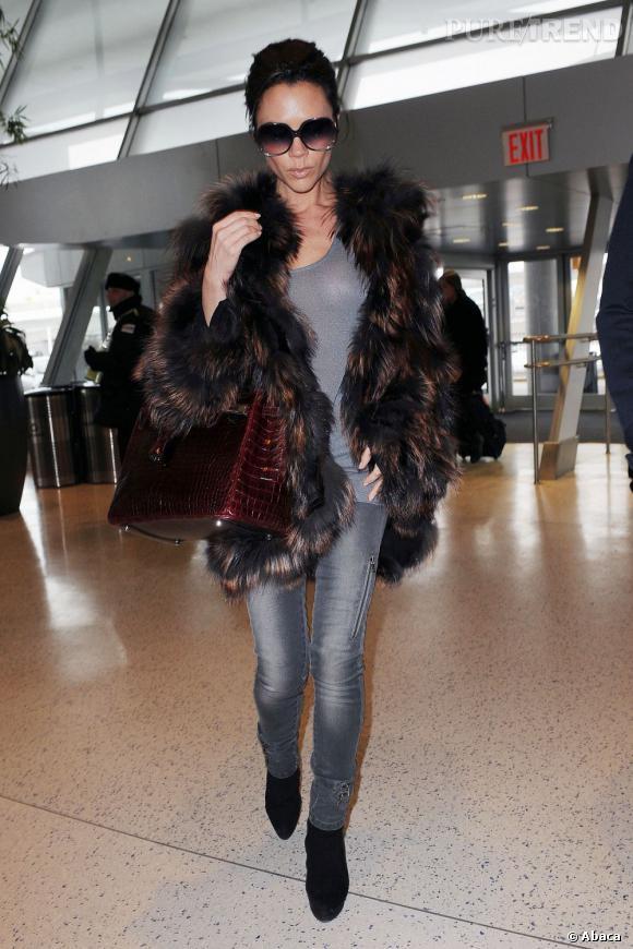 Victoria BeckhamSurnom : PoshPourquoi ? Un surnom hérité de sa période Spice Girl qui vaut toujours avec les années. Car oui, Victoria est toujours aussi snob (= posh en Anglais).