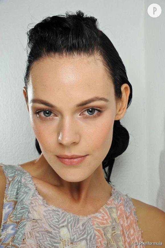 Votre peau sensible est très réactive. Offrez-lui les soins visage dont elle a besoin.