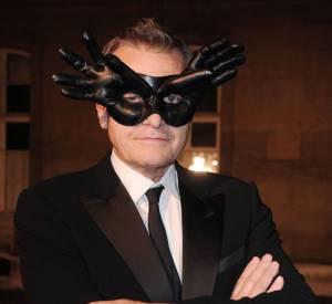Jean-Charles de Castelbajac convié à un bal masqué s'est démarqué avec son choix original.
