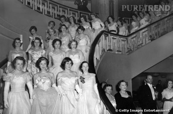 Bal des débutantes à Londres en 1950. Le Queen Charlotte Ball.