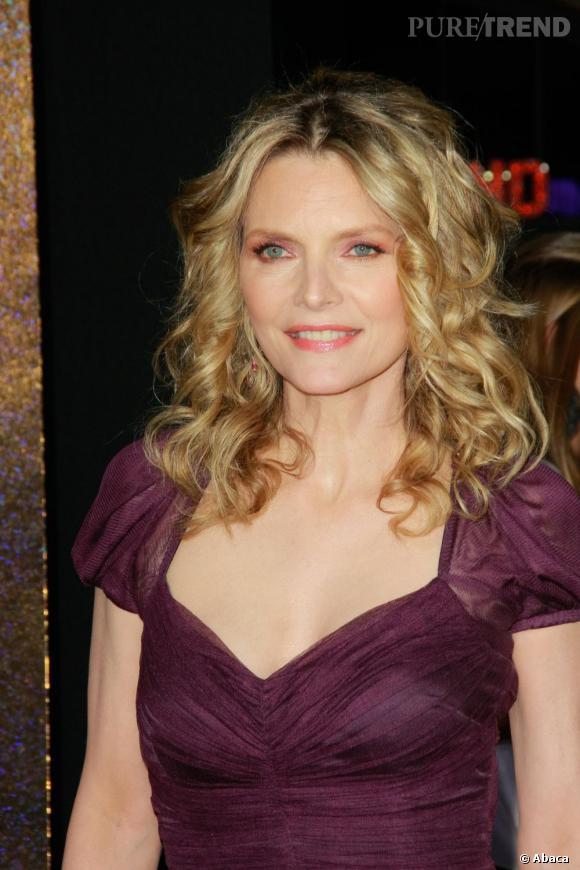 """Michelle Pfeiffer à la première hollywoodienne de """"New Year's Eve""""."""