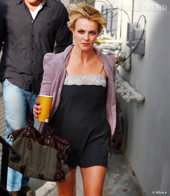 Britney Spears la veille du shampoing, sois 4 jours après le dernier.