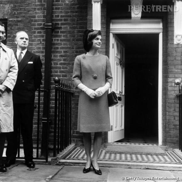 Jackie Kennedy, l'une des plus grandes fans du tailleur en tweed. Elle est l'icône du style des années 60.