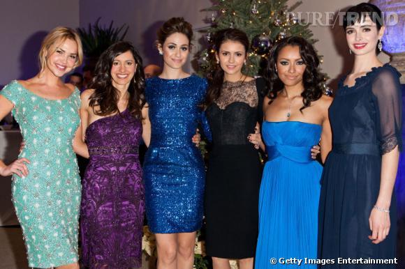 Nina Dobrev est entourée d'Arielle Kebbel, Charlene Amoia, Emmy Rossum, Kat Graham et Krysten Ritter.