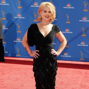 Aujourd'hui, Kelly Osbourne s'affiche nettement plus féminine et joue même les égéries pour Madonna.
