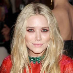 """Après : Âgée de 25 ans, l'actrice a déjà dit """"oui"""" au Botox dans les pommettes... Et dans les lèvres."""