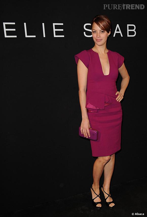 Pour le défilé Elie Saab collection Printemps-Été 2012, Bérénice Bejo affiche fièrement sa nouvelle couleur : un roux flamboyant.