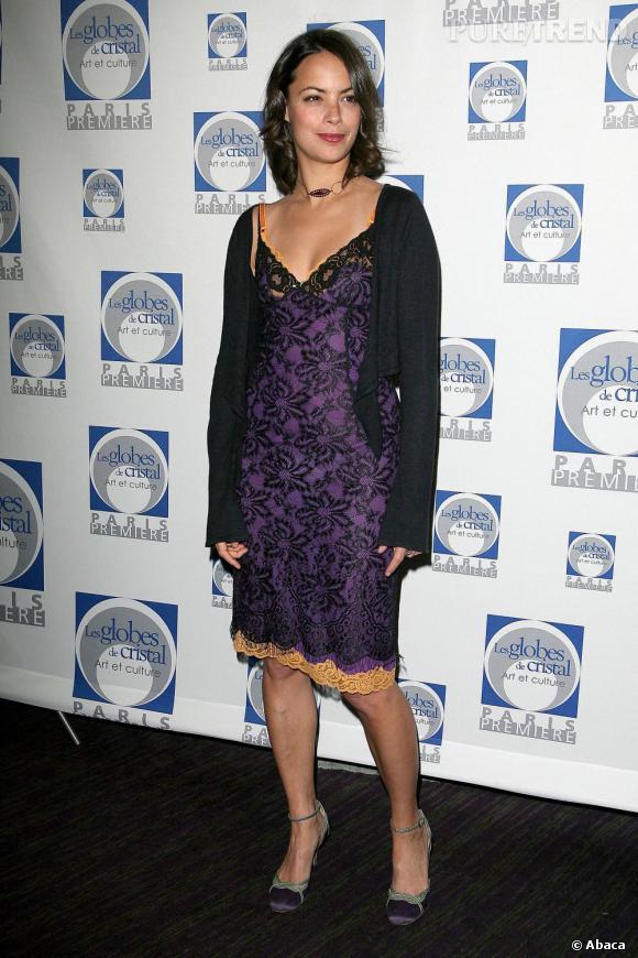 Bérénice Bejo participe à la cérémonie des Globes de Cristal 2007 dans une robe type nuisette.