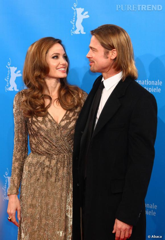 Aux côtés de son mari Brad Pitt, Angelina Jolie est resplendissante.