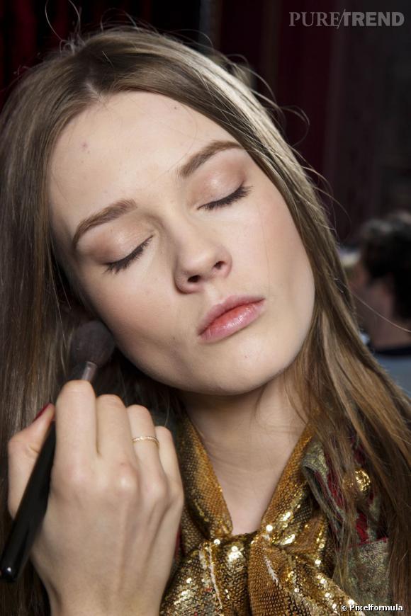 Soin, maquillage, astuces : les bons conseils pour masquer les écarts de cette nuit.