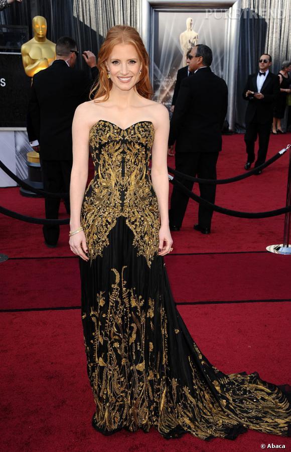 Jessica chastain porte une robe bustier alexander mcqueen for Alexander mcqueen robe de mariage