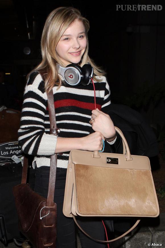 Chloë Moretz à l'aéroport de Los Angeles.