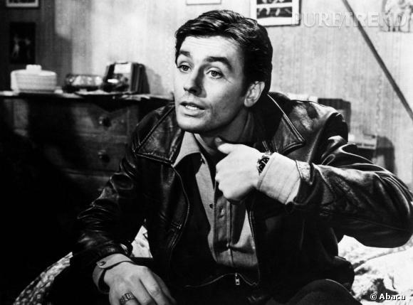 En 1966, c'est le beau Alain Delon qui représente l'Eau Sauvage. Une publicité reprise en 2009.