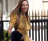 Hilary Swank, entre chien et shopping