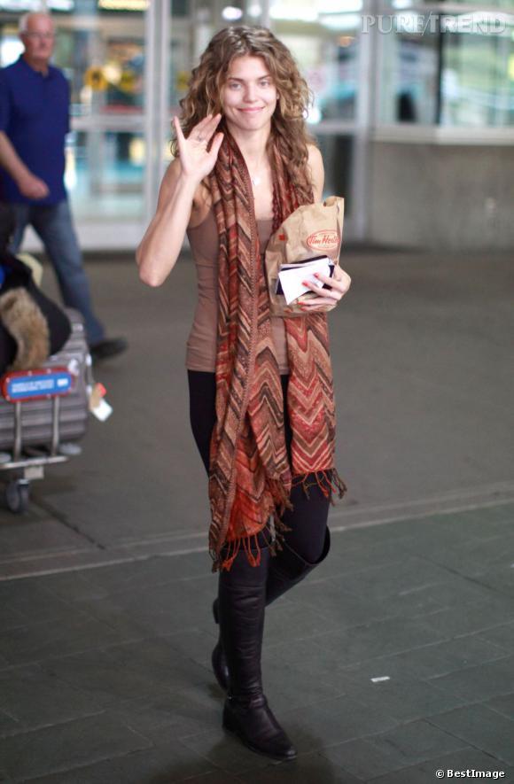 AnnaLynne McCord à l'aéroport de Vancouver.