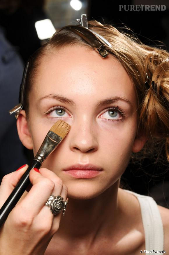Le travail du teint est la base d'un bon maquillage.