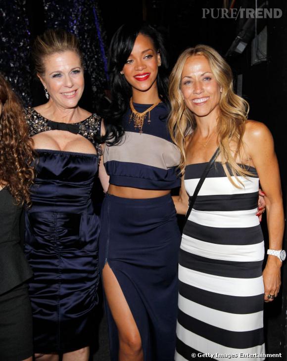 De gauche à droite : Rita Wilson, Rihanna et Sheryl Crow au gala de charité en faveur du cancer à Los Angeles.