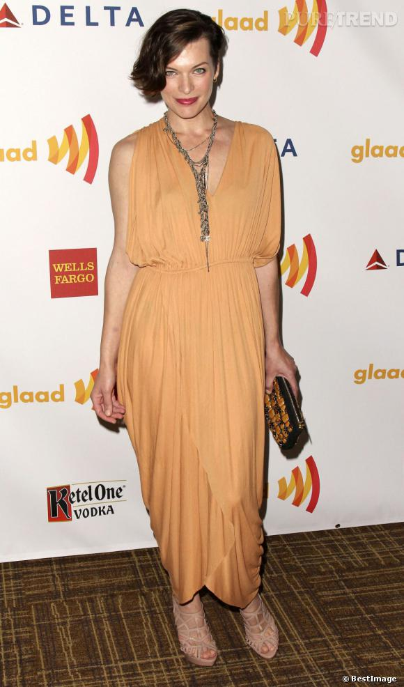 Milla Jovovich au GLAAD Media Awards à Los Angeles.