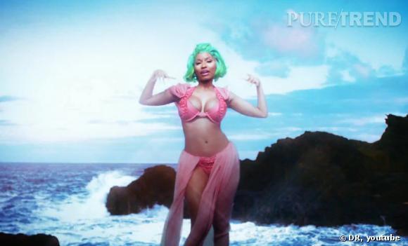 Les formes rebondies de Nicki Minaj nous en mettent plein la vue !