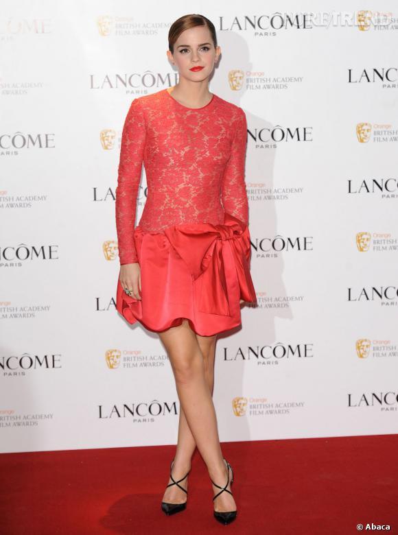 Emma Watson a succombé au charme des Crosspiga, un modèle qui se rapproche beaucoup des Pigalle mais avec des lanières.