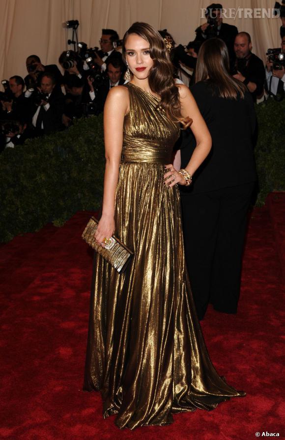 Jessica Alba, un véritable bijou mode.