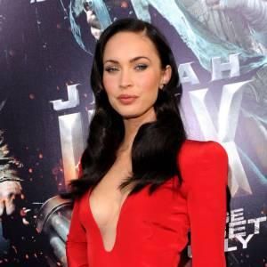 Megan Fox : on a des doutes. Si l'actrice nie avoir eu recours à la chirurgie, les photos avant après en maillot de bain nous laisse perplexe. D'autant qu'au niveau du visage on en a la preuve !