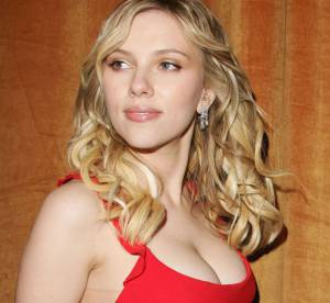 Katy Perry, Scarlett Johansson, Jennifer Aniston : le vrai / faux des seins des stars